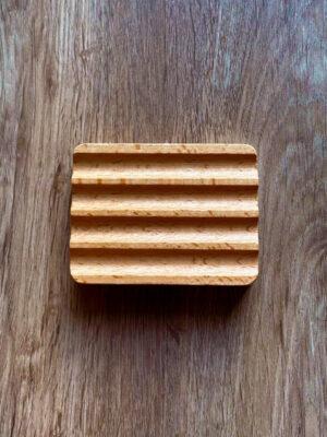 Saboneteira em madeira ondulada